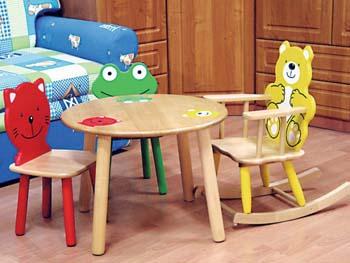 Детский стол и кресло