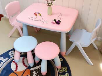 Детские игровые столы и стулья